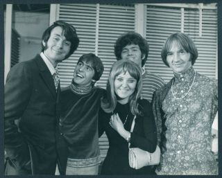 Monkees Press Photo By Bill Greenslade M133 - Smiling For Camera - 1967 - Estm