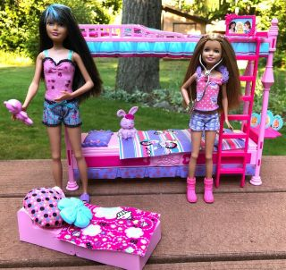 Barbie Sisters Bedtime Bunk Bed Set With Skipper And Stacie Dolls