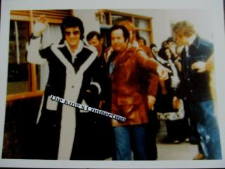 Vtg - Photo - Elvis In Black Coat With Joe Esposito & Red Waving To Camera