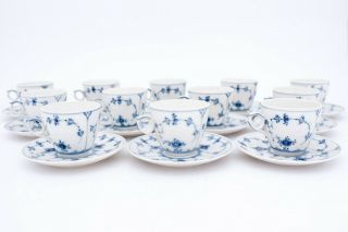 12 Cups & Saucers 80 - Blue Fluted Royal Copenhagen - Plain Lace - 1:st Quality
