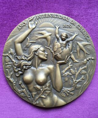 Antique And Rare Bronze Medal Of International Child Year 1979