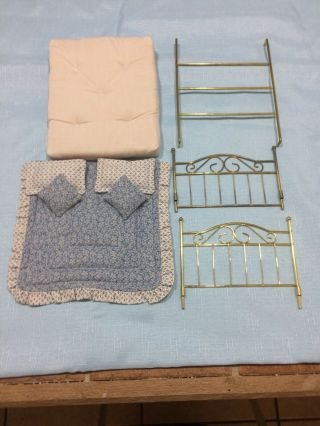 Miniature Dollhouse Metal Bed 1:12 Scale