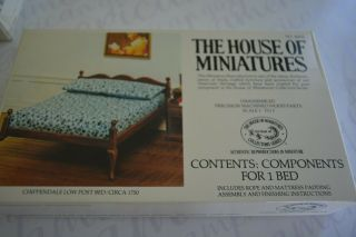 House Of Miniatures Chippendale Low Post Bed/circa 1750 No.  40033 Scale 1:12