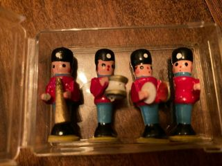 Dollhouse Miniature Chrysnbon Soldiers Playing Instruments