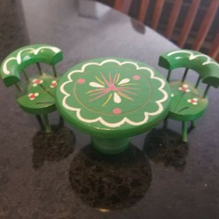 Dollhouse Furniture Green Wooden Pedestal Table & 2 Chairs 1:12 Scale