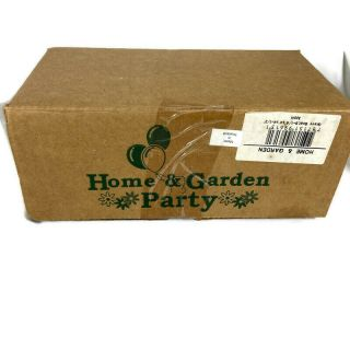 Home And Garden Party Gravy Boat Apple Graphic Nib