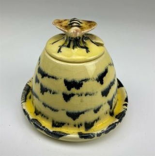 Cape Cod Hand Crafted Painted Ceramic Pottery Lidded Bumble Bee Honey Pot 007