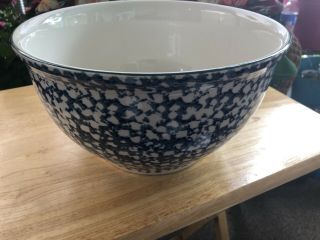"""Tienshan Folk Craft """" Cabin In The Snow """" Large Centerpiece / Mixing Bowl"""