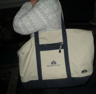 (donald) Trump Plaza Over - The - Shoulder/carryy - On Bag Made By Samsonite - - Rare