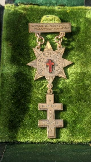 Early Vintage Masonic Knights Templar In Hoc Signo Vinces Past Commander Gold?