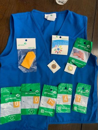 Daisy Girl Scout Vest Size Xxs/xs (4 - 5/6 - 6x) With Badges And Pins