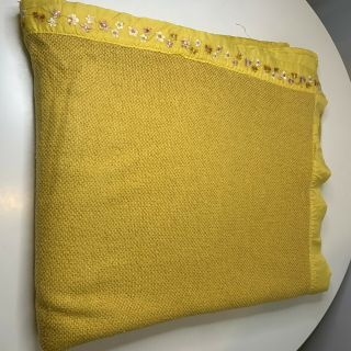 Vintage Acrylic Waffle Weave Blanket Thermal Bedding Queen Yellow Nylon Satin