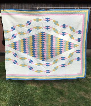 "Vintage 1930s - 50s Diamond Quilt 10spi Four Borders Hidden Star Inside 78""x66"""