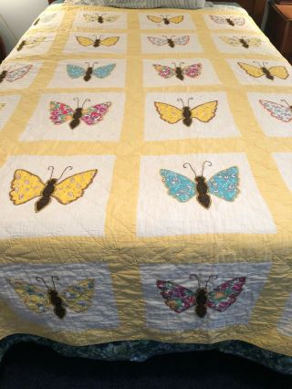 Vintage Sunny Yellow Applique Embroidered Hand Quilted Butterfly Full Quilt