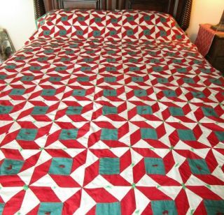 Vintage Handmade Quilt 84x67 Red/green/white Solid Fabrics Unk Pattern Windmill?