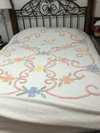Vintage Chenille Bedspread White With Flowers Heavyweight
