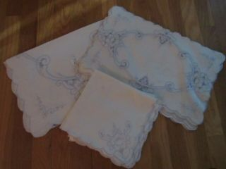 Set Of 8 Vintage Placemats,  Napkins And A Runner – Ivory And Light Blue