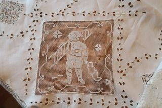 """Vintage Embroidered Drawn Work & Filet Lace Tablecloth 85 """" Round Cleaned/pressed"""