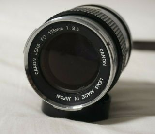 Vtg Canon Fd 135mm F3.  5 Lens With Canon Case And Caps