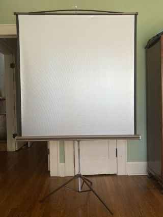 """Vintage 50 """" X 50 """" Da - Lite Silver Pacer Tripod Slide And Movie Projection Screen"""