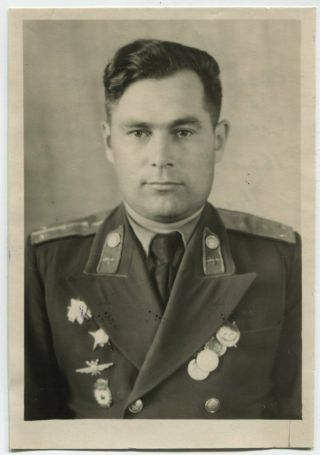 Post - Wwii Id Photo: Russian Officer Posing On Camera,  Name & Stamp On Reverse