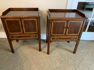 Vintage Pair Mahogany 18th Century Style Drexel Heritage Night Stands