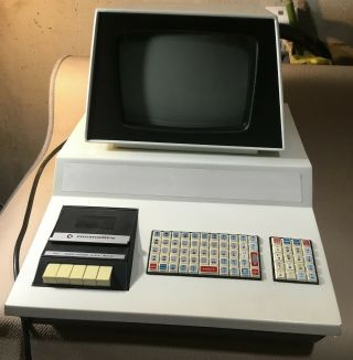 Vintage Commodore Pet 2001 - 8,  Chicklet Kbd,  Built - In Cassette,  Cosmetically,