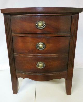 Vtg Antique Dixie Furniture Co Mahogany Nightstand Night Stand Bedside Cabinet