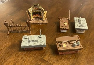 Heroquest Furniture Tomb Alchemy Weapons Torture Rack Fireplace Sorcerer 1990