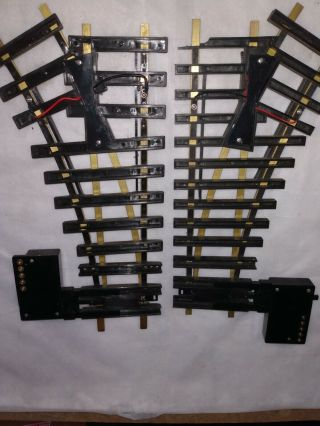 Aristo - Craft Trains 11205 & 11215 Remote Right Hand And Left Hand Switch Tracks