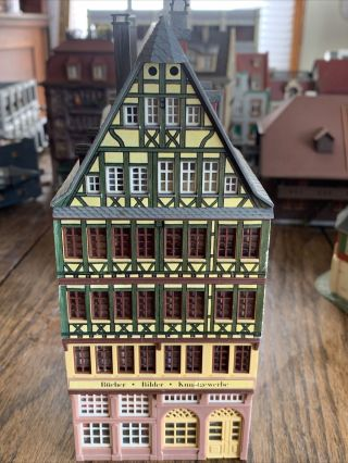 Faller Ho Scale Row House Books,  Pictures And Arts/crafts Store