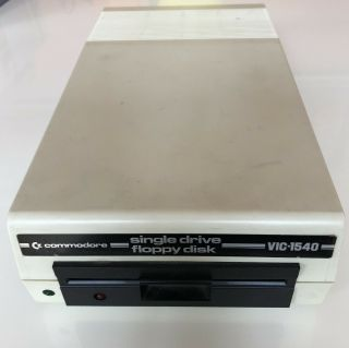 "Commodore Vic 1540 5.  25 "" Floppy Drive"
