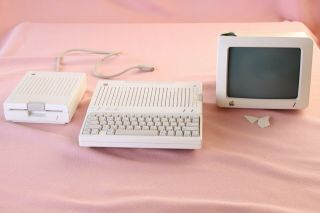 Apple Iic A2s4000 Apple Disc Iic A2m4050 Apple Monitor