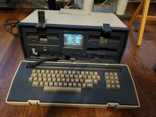 Vintage Osborne Occ - 1 Portable Computer Functioning W/ Disks Manuals