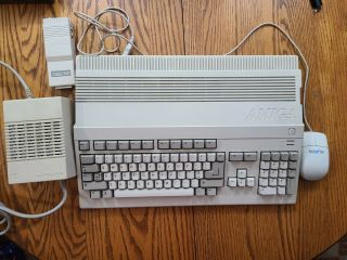 Commodore Amiga A500 W/ Modulator And Power Supply -