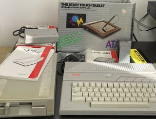 Atari 65xe With Xf551 Disk Drive And Accessories